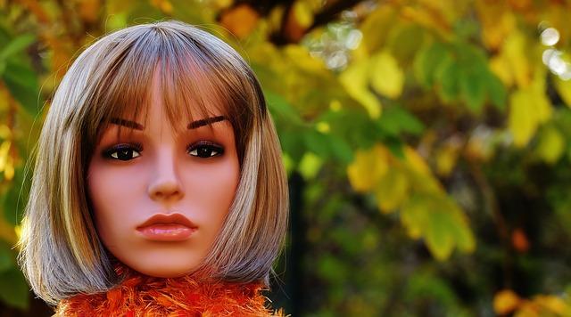 hlava Barbie