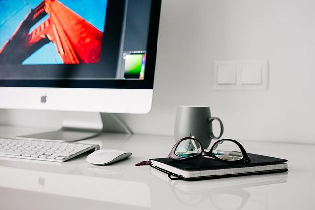pracovní prostor na pc.jpg